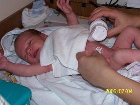 vajon a szoptatott csecsemők születése után fogynak-e)